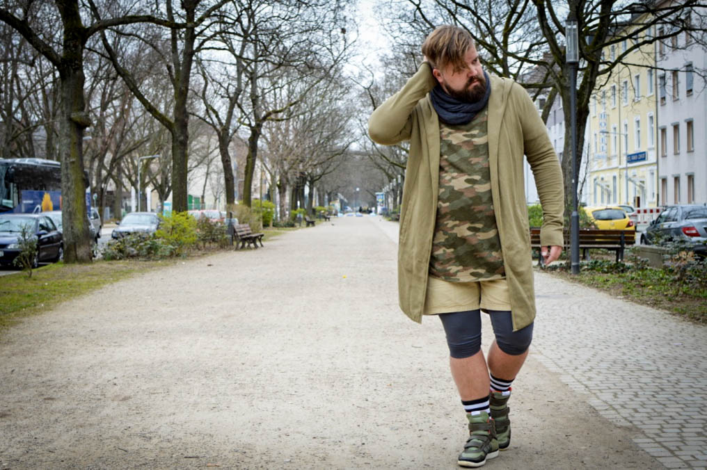 Laufsteg-Look im Fahrrad-Kurier-Camouflage-Look