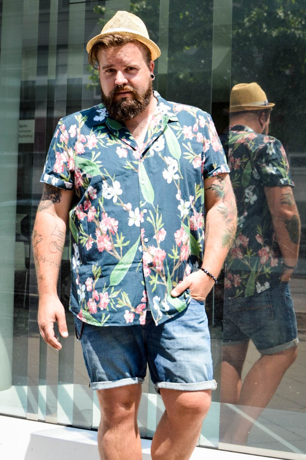 Sommer Hemden mit Palmen und Blüten Prints Male Plus Size Mode Fashion Blog Blogger Claus Fleissner