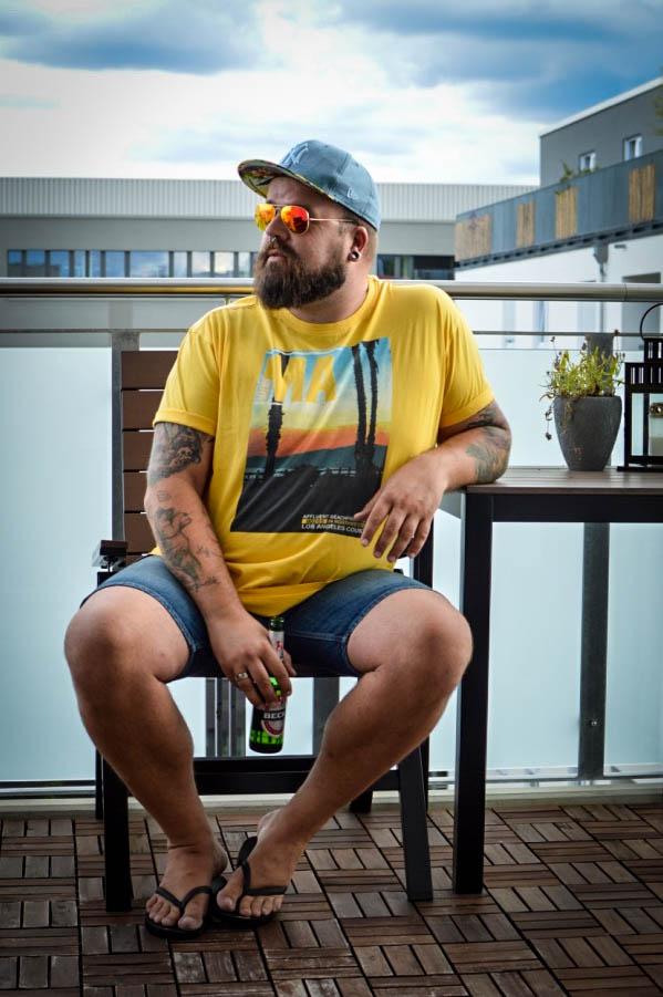 Übergröße XXL Basics für Männer von Big Basics Male Plus Size Fashion Blog Blogger Model Claus Fleissner