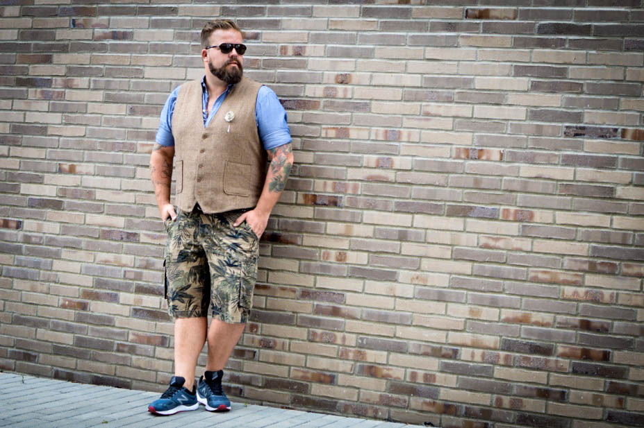 Weste in drei Looks, one vest three looks, plus size male model blog blogger claus fleissner
