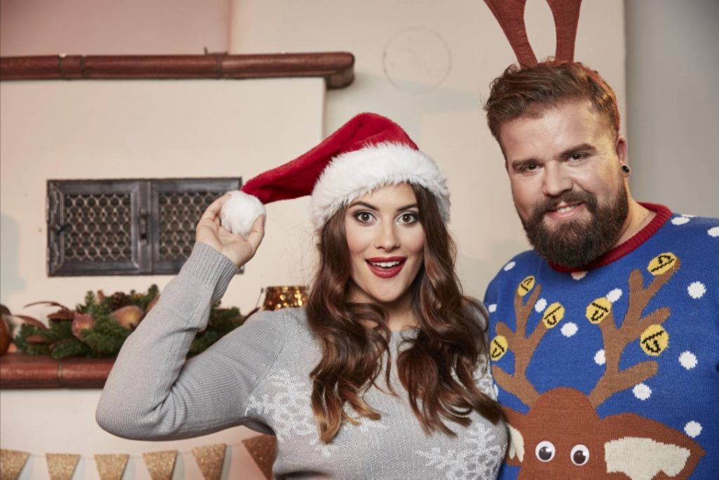 Male Plus Size Blog Blogger Model Claus Fleissner Happy Size Weihnachten Christmas Xmas Shooting große Größen Herrenmode XXL Männermode Santa Claus Céline Denefleh Curvy Supermodel RTL2 Weihnachtspullover Ugly Sweater Xmas Jumper Weihnachtspulli Rentier Eisbär