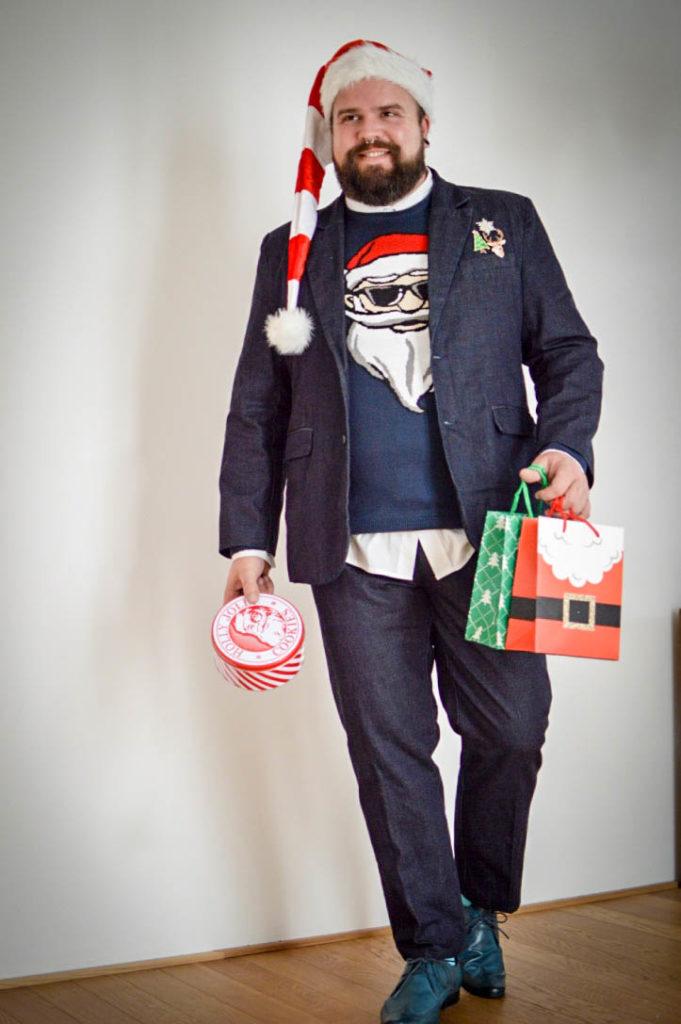 Male Plus Size Model Blog Blogger Malemodel Plus Size Model Männer XXL Herrenmode XXL Übergröße große Größen Claus Fleissner Weihnachtspullover Ugly Sweater Weihnachten Weihnachtssocken bonprix Jeansanzug Denim Suit