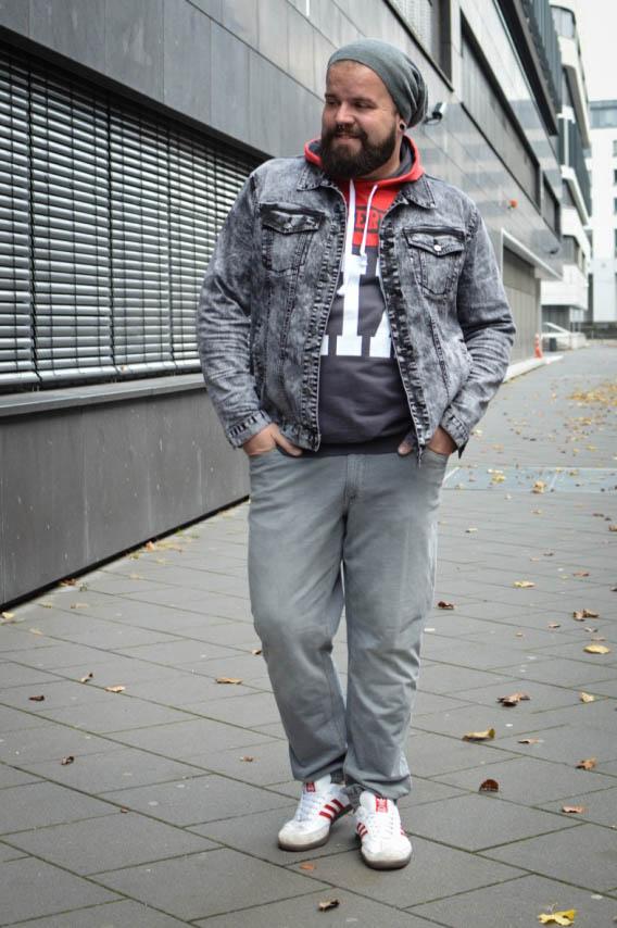 Male Plus size Blog Blogger Model Longfit streetwear Männermode XXL große Größen Herren Happy Size sportmode Kapuzen Sweatshirt Joggjeans