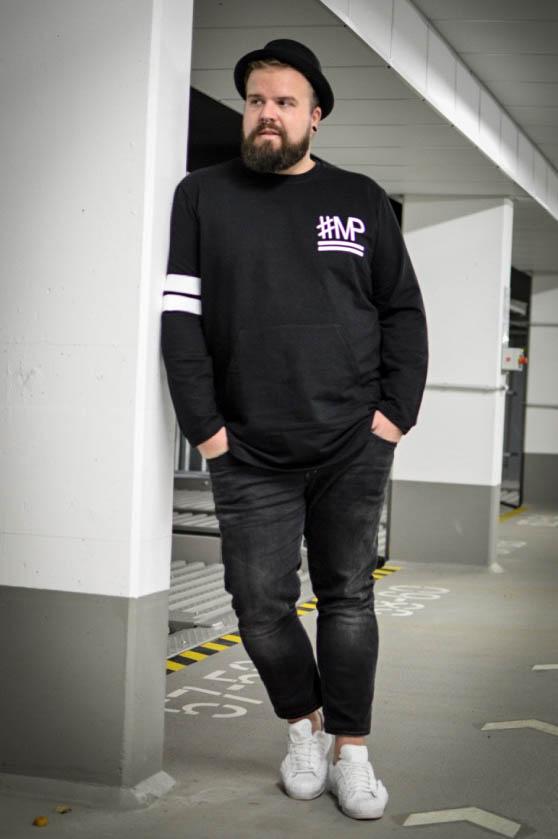 Male Plus size Blog Blogger Model Longfit streetwear Männermode XXL große Größen Herren Happy Size black and white