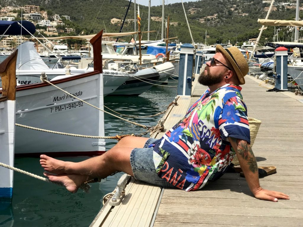Hemd Asos Plus Postkarten Motiv Mallorca