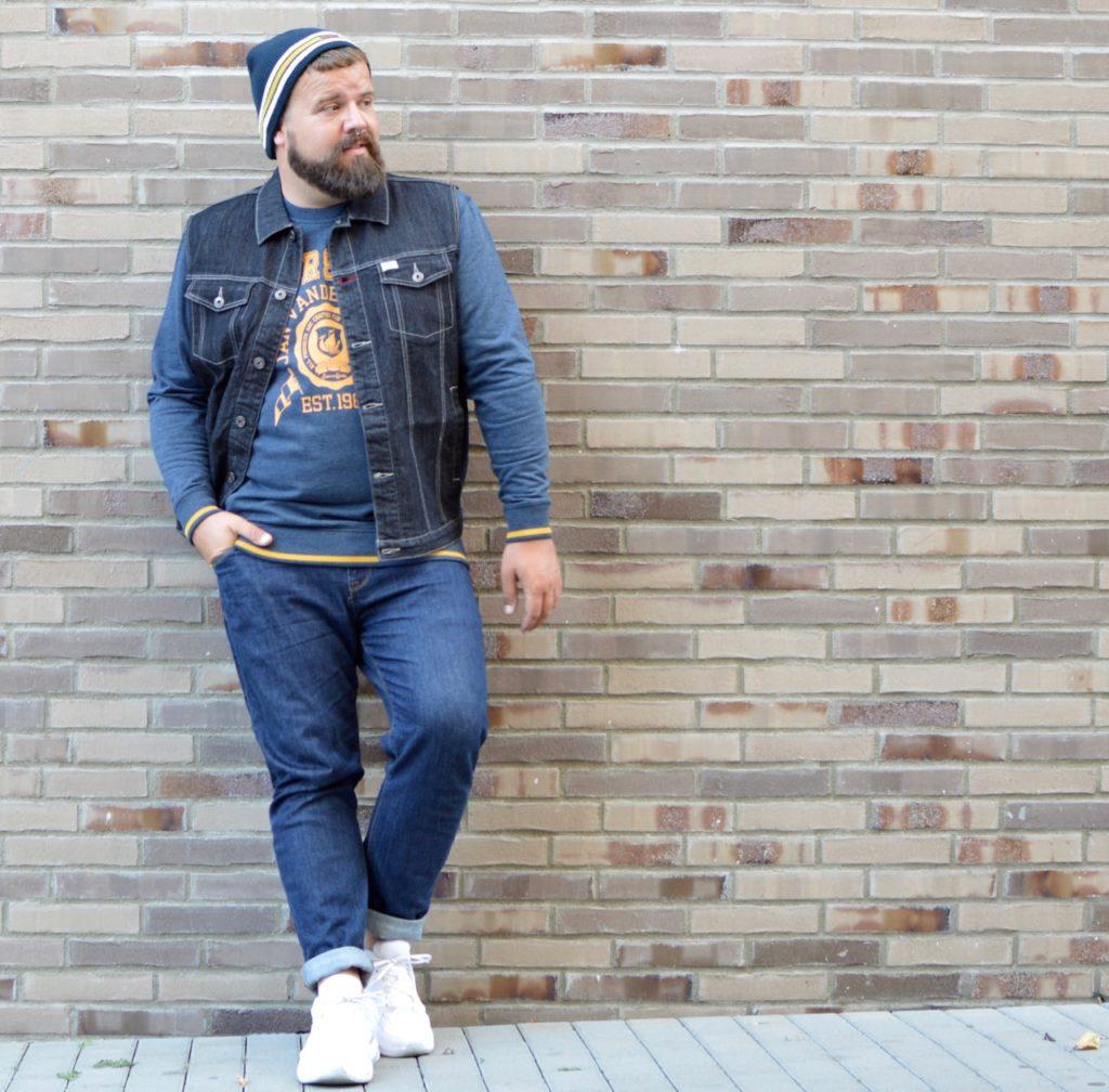 Herbstoutfit Jan Vanderstorm College Style Pullover Jeansweste